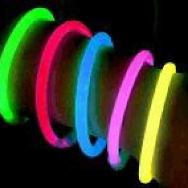 2x carnaval feest knik armbanden 20 cm glow in the dark carnavalskleding