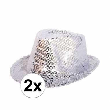 2x zilveren hoedjes met zilveren paillettencarnavalskleding