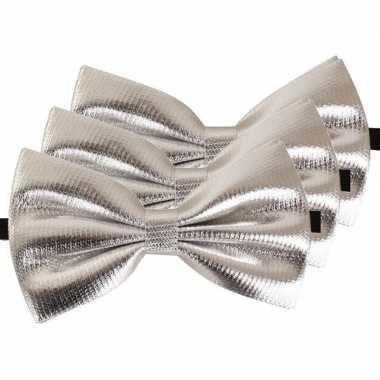 3x carnaval/feest zilveren vlinderstrik/vlinderdas 14 cm verkleedaccessoire voor volwassenencarnavalskleding