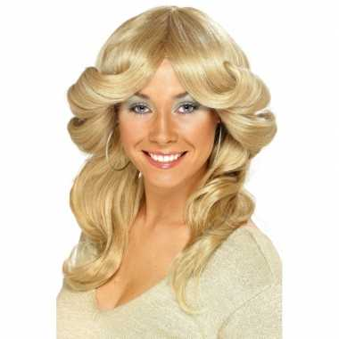 Blonde damespruik jaren 70carnavalskleding