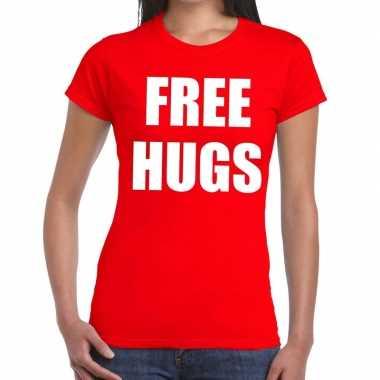 Free hugs tekst t-shirt rood damescarnavalskleding