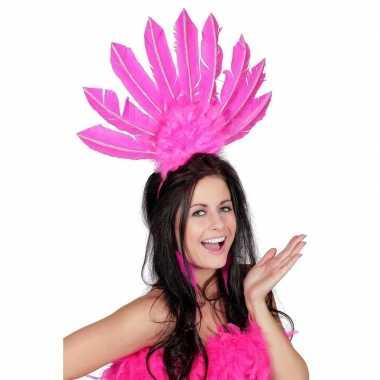 Fuchsia roze haarband met veren voor damescarnavalskleding