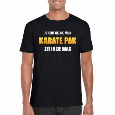 Karatepak zit in de was heren carnaval t-shirt zwartcarnavalskleding
