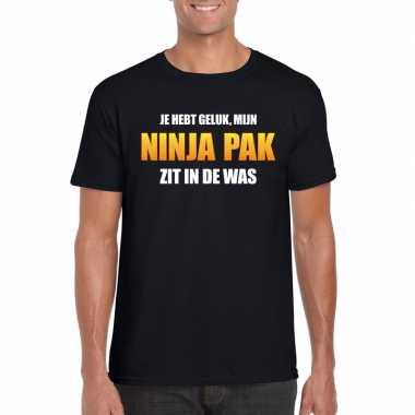 Ninja pak zit in de was heren carnaval t-shirt zwartcarnavalskleding