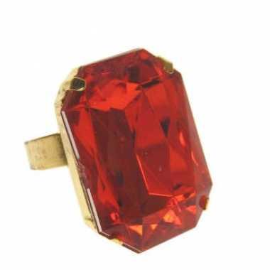 Pimp ring met rode steencarnavalskleding