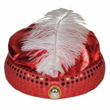 Rode tulband met lange witte veercarnavalskleding