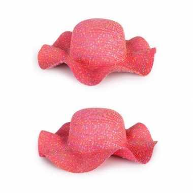 Roze flaphoeden van strocarnavalskleding