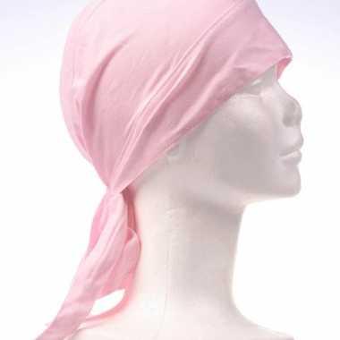 Roze gekleurde hoofddoekcarnavalskleding