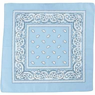 Sjaal lichtblauw met printcarnavalskleding