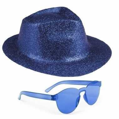 Toppers - blauw trilby glitter party hoedje met blauwe zonnebrilcarna