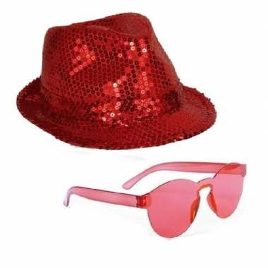 Toppers - rood trilby glitter party hoedje met rode zonnebrilcarnaval
