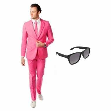 Verkleed roze net heren kostuum maat 48 (m) met gratis zonnebrilcarna