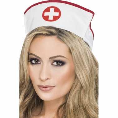 Zuster muts met rood kruiscarnavalskleding