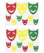 2x sets raamsticker lachende maskers rood geel groen 35 x 40 cm carnaval carnavalskleding