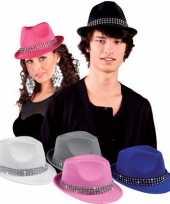 Wit popster hoedje met studs carnavalskleding
